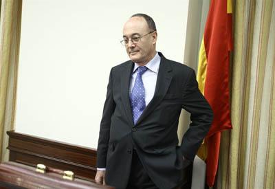 Luis María Linde, gobernador del Banco de España, en una comparecencia en el Congreso.