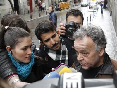El gerente de la empresa Interglobo hace declaraciones a la prensa en la puerta de la Audiencia Nacional/EFE