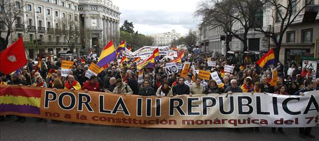"""1365854541865republica detallec4 - """"Más motivos que nunca"""" para la III República"""