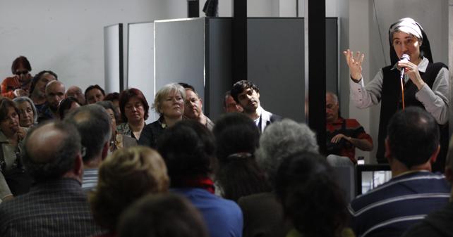 Teresa Forcades durante una presentación de su libro en Madrid.