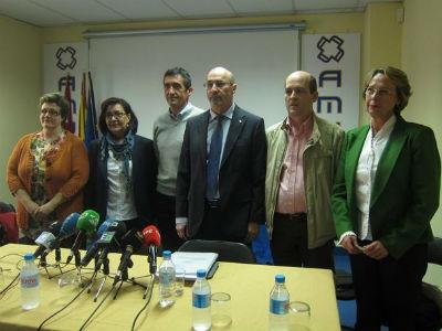 Representantes sindicales de los trabajadores sanitarios de Madrid. EP