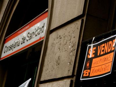 Cartel de una de las manifestaciones pro sanidad pública de Madrid. Foto cedida por GRACIELA RODRÍGUEZ
