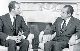 Juan Carlos hizo de confidente <br>para EEUU en su ascenso al trono