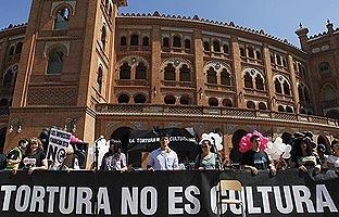 """""""Tortura no es cultura"""", grito antitaurino en Las Ventas"""