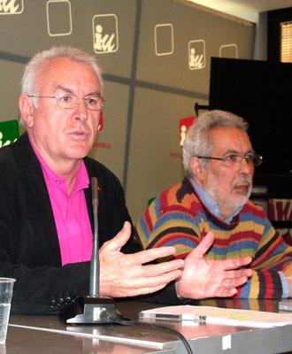 Lara y García Rubio explican el plan de empleo de IU el pasado lunes en la sede federal.- MARIANO ASENJO