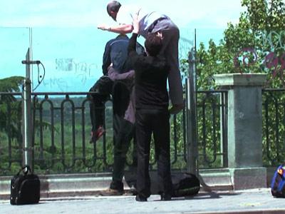 Un cura, un seminarista y un repatidor evitan el suicidio de un joven en Madrid. -TERRA