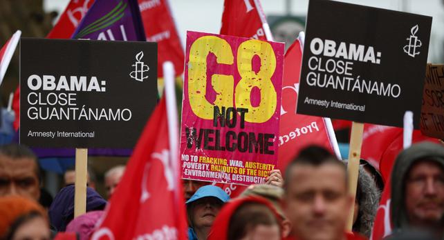 Marcha en Belfast contra la próxima cumbre del G-8 que comienza el próximo lunes.