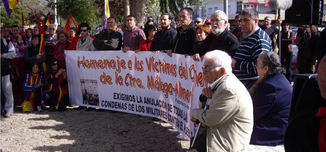 Homenaje a las víctimas del 'crimen' en la carretera Málaga-Almería. -RG