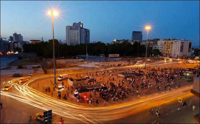 Concentraciones en Taksim la pasada madrugada.- Reuters