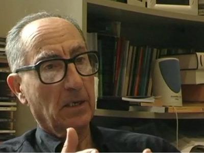 El profesor Vicenç Navarro durante una entrevista.- vnavarro.org