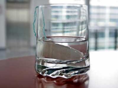 Introducir un tampón empapado en alcohol por la vagina o el ano hace que el líquido se absorba rápidamente y pasa directamente a la sangre, sin ser filtrado por el hígado.