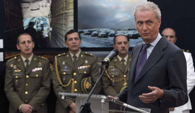 El ministro de Defensa, Pedro Morenés, durante su intervención en la inauguración de la exposición itinerante 'Misión Líbano', el pasado lunes, en el Cuartel General de Tierra.