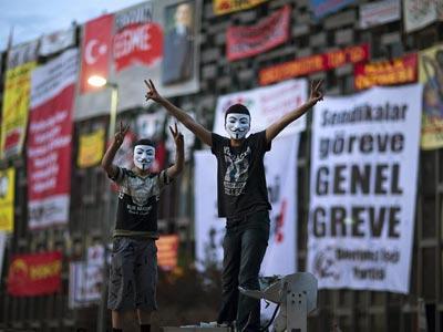 La plaza Taksim de Estambul ha vuelto a ser el epicentro de las protestas en Turquía.