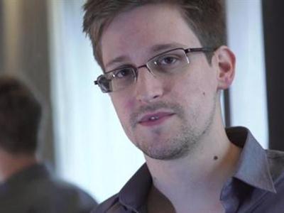 Eduard Snowden, extécnico de la CIA acusado de espionaje en EEUU y que ha filtrado esta información al diario 'The Guardian'
