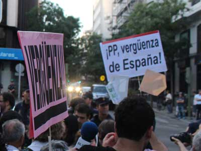 Manifestación contra la corrupción ante la sede del PP en la calle Génova-ALM