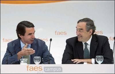 Fotografía facilitada por FAES de su presidente y expresidente del Gobierno, José María Aznar, junto al presidente de la CEOE, Juan Rosell.