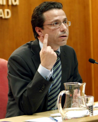 El consejero de Sanidad de Madrid, Javier Fernández Lasquetty, esta tarde, en rueda de prensa. EFE/Maialen López