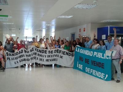 Los trabajadores encerrados en el Hospital del Henares, en Coslada.