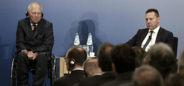 Los ministros de Finanzas de Alemania y Grecia, Wolfgang Schaeuble y Yannis Stournaras, en julio. -REUTERS