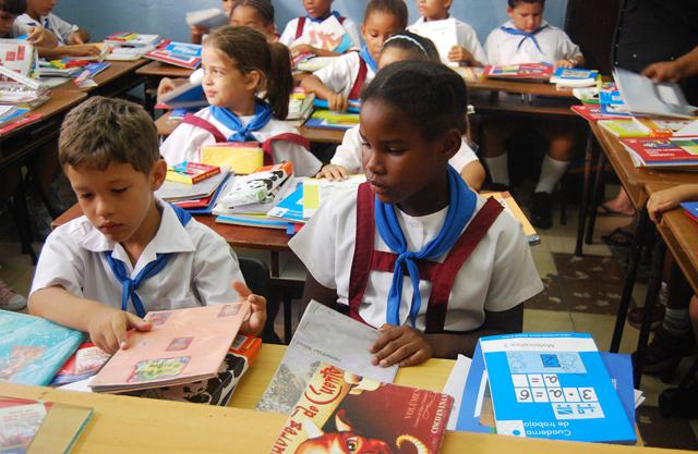 Estudiar en Cuba es gratuito: los alumnos no pagan matrículas ni los libros de texto. FOTOS: RAQUEL PÉREZ