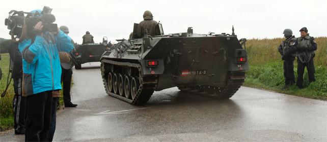 Las autoridades austriacas han movilizado a sus fuerzas especiales Cobra, incluidos tanques, para atajar la situación.