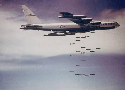 Un bombardero B-52, uno de los más usados en el transporte de armas nucleares.
