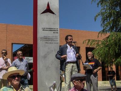 El rector de la Universidad Complutense, José Carrillo, en el acto organizado el pasado 15 de junio ante el monumento a los brigadistas internacionales. AABI