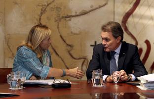 La Generalitat da prioridad al pago de la deuda frente a los servicios públicos