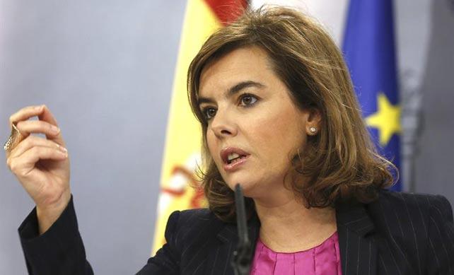 La vicepresidenta del Gobierno, Soraya Sáenz de Santamaría, en la rueda de prensa posterior al Consejo de Ministro. EFE