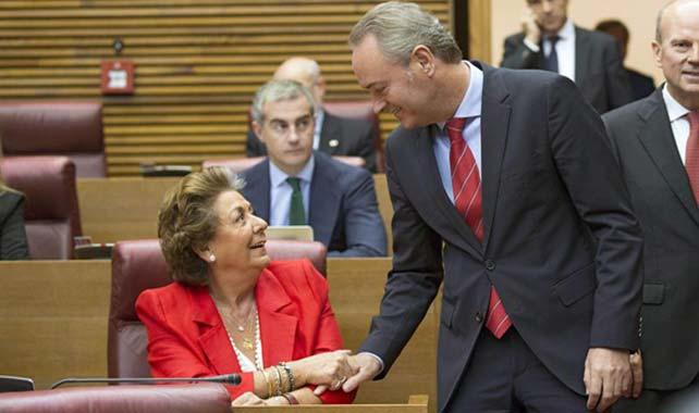 El presidente de la Generalitat Alberto Fabra saluda a la alcaldesa de Valencia, Rita Barberá