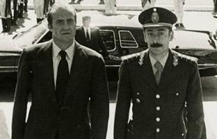 La España de<br> Suárez financió<br> a la dictadura argentina de Videla
