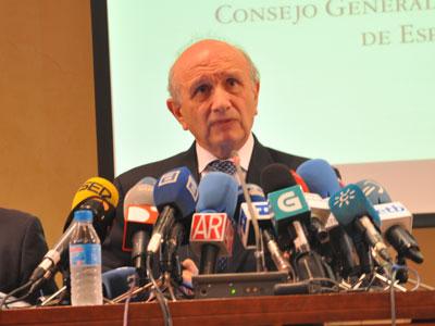 El presidente del Consejo General de Enfermería, Máximo González Jurado, en rueda de prensa. Foto: CONSEJO ENFEMERÍA