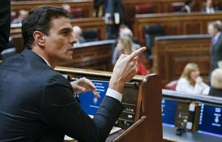 """Pedro Sánchez intenta desmontar """"el engaño económico"""" de Montoro..."""