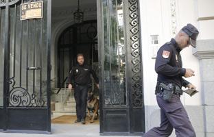 Perros policía buscaron fajos de dinero en el registro a Oleguer Pujol