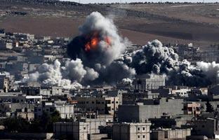 Los bombardeos de EEUU en Siria dejan más de 550 muertos en un mes