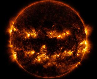 Manchas solares de 30 veces el tamaño de la Tierra ponen en alerta<br> a los científicos