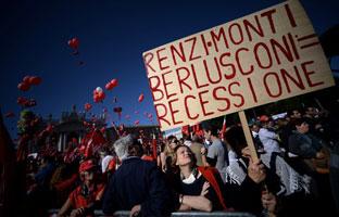 Masiva manifestación en Roma contra la reforma laboral de Renzi