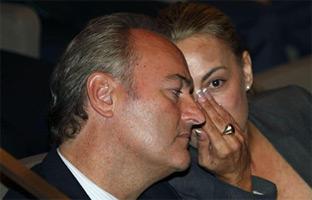 Fabra obliga a la doble imputada Castedo a votar contra ella misma