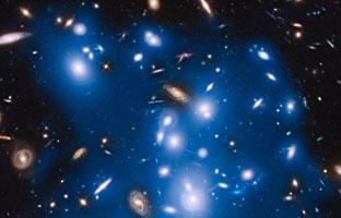 La NASA observa lucesen galaxias destrozadas hace millones de años
