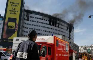 Arde en París el edificio de<br> la radio pública francesa