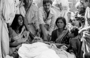 Muere el principal acusado de la tragedia de Bhopal<br> sin haber ido a la cárcel