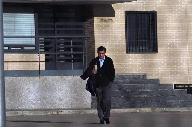 Jaume Matas a su salida de la prisión de Segovia para disfrutar de su permiso de fin de semana.