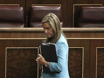 La ministra de Sanidad, Ana Mato, en el punto de mira por la crisis del ébola. EFE