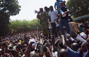 El número dos de la guardia presidencialasume el <br>poder en Burkina Faso