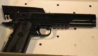Dos policías matan a un niño que portaba una pistola de juguete en Cleveland