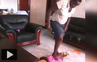 El vídeo de una niñera maltratando a un bebé indigna a las redes sociales