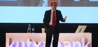 Mario Fernández abandona la presidencia de Kutxabank