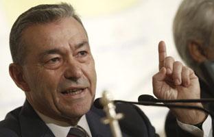 Rivero advierte a Rajoy de que las prospecciones pueden provocar el auge soberanista en Canarias