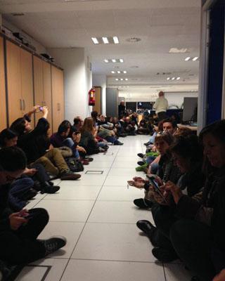 Imagen de la sentada de los trabajadores de TVE.
