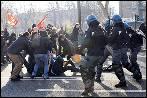 Italia, paralizada por la huelga general contra la reforma laboral de Renzi